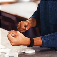 Fitbit Charge 4 (NFC) - Black/Black - Fitness náramek
