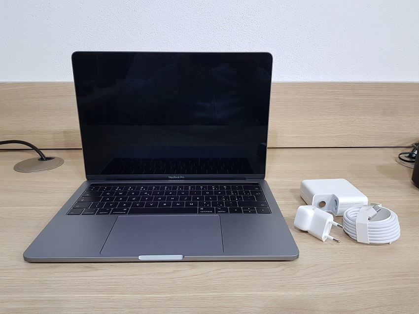 test, recenze, notebook, notebooky na cesty, Apple MacBook Pro 13