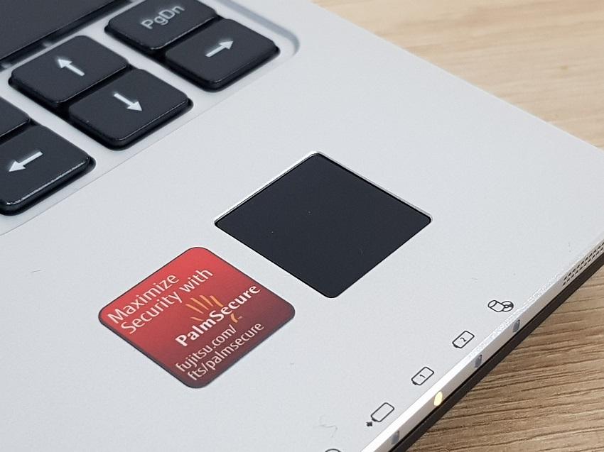 test, recenze, notebook, notebooky na cesty, Fujitsu LifeBook