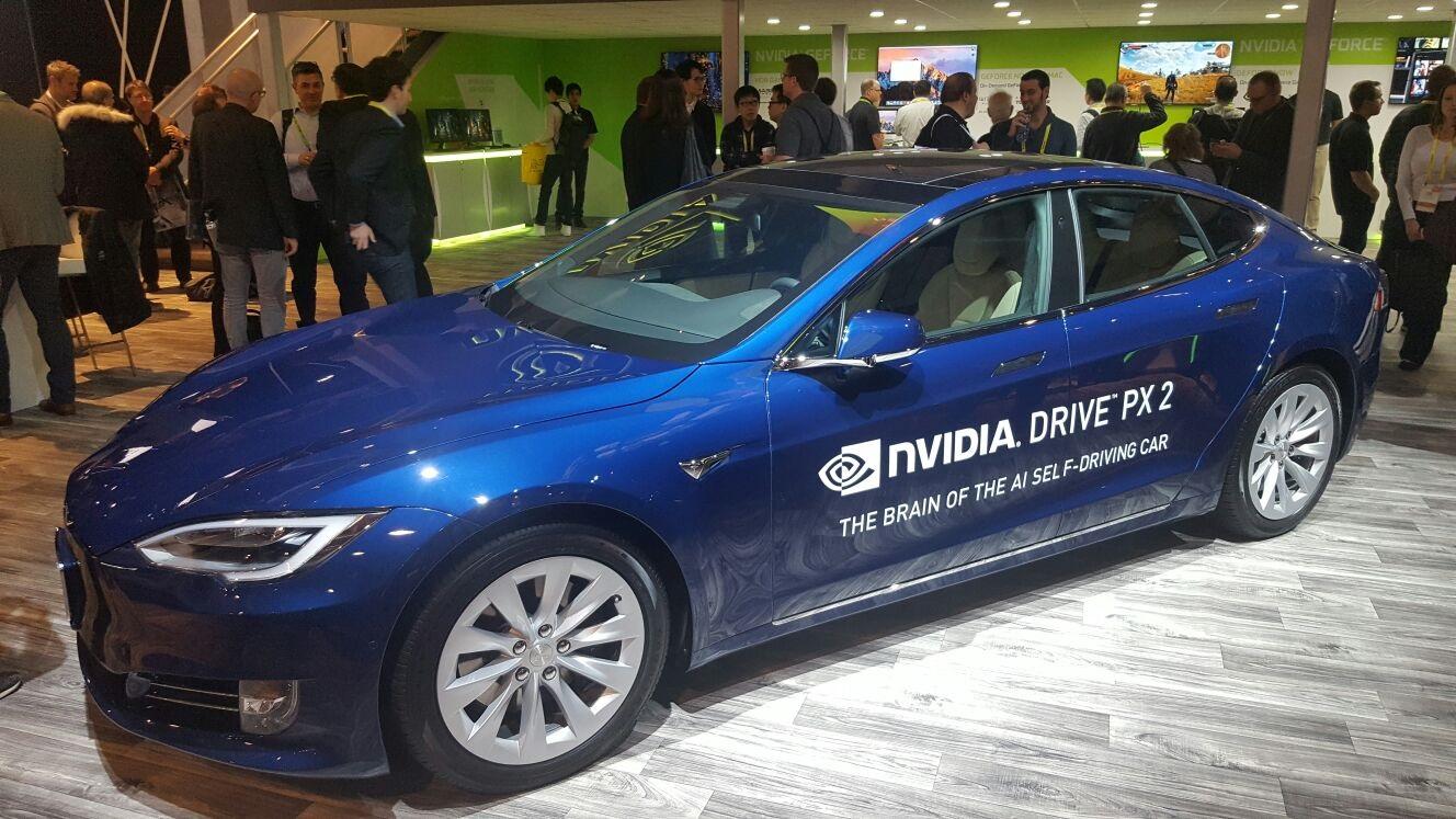 NVIDIA Drive PX2; automaticky řízené auto; CES 2017