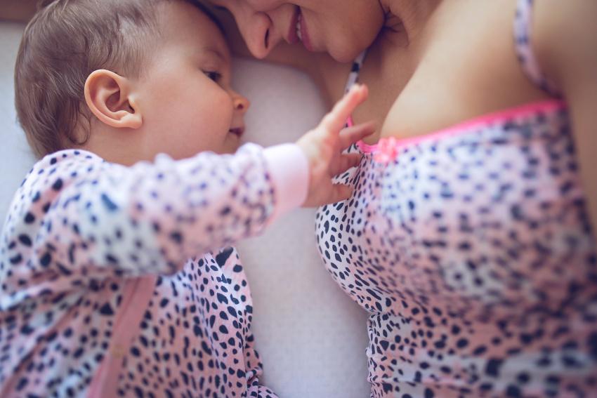 První měsíce kojení