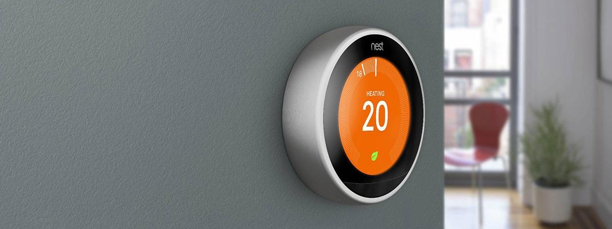 Chytrý termostat Google NEST se naučí topit za vás