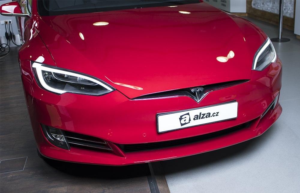 Elektrický automobil Tesla S