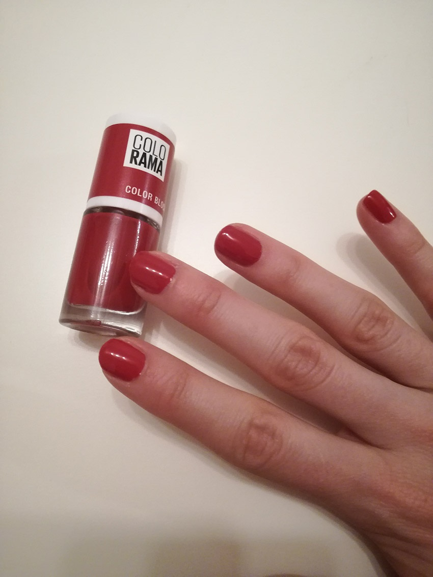 MAYBELLINE NEW YORK Colorama 486 Red