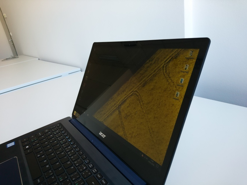 Recenze Acer Swift 3: Raven Ridge vs. Kaby Lake R