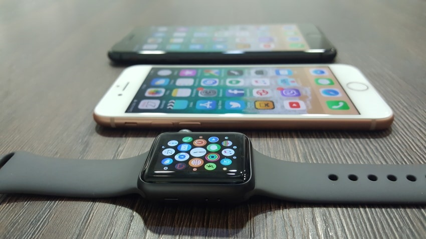 Hodinky Apple Watch 3 a iPhone 8