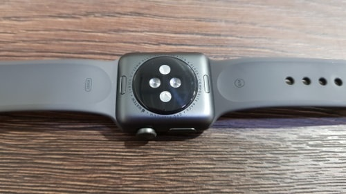 Apple Watch 3, senzor tepu