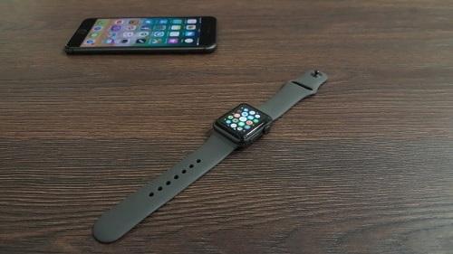Apple Watch 3, iPhone 8 Plus