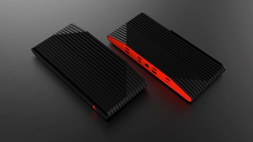 Dvě barevné varianty Atari VCS