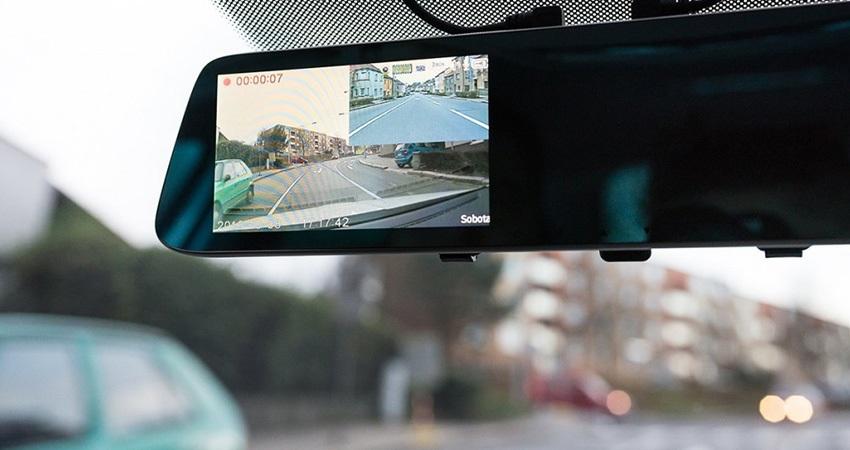 autokamery, zpětné zrcátko