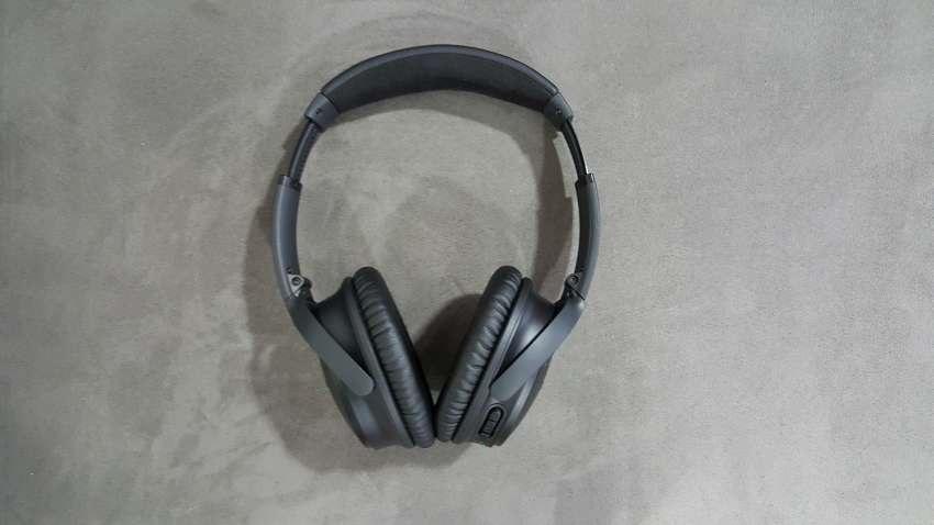 Sluchátka QuietComfort 35 v zavřeném pouzdře