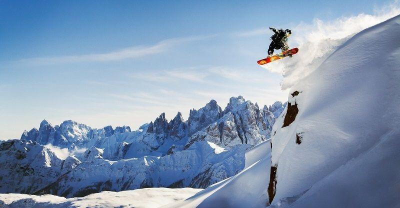Cestujeme autem na lyže do Itálie
