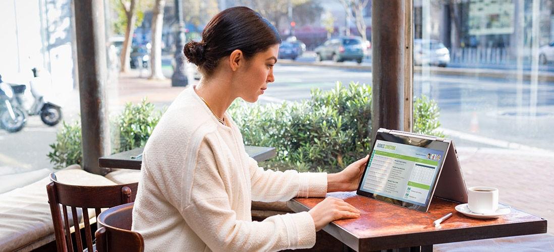 HP EliteBook; zařízení typu 2v1; pracovní ultrabook; režim stan