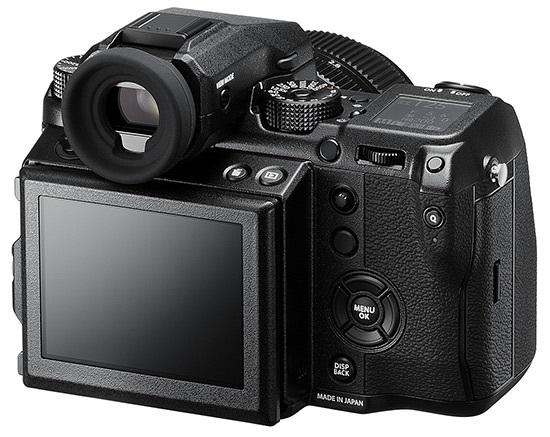 Fujifilm GFX 50S; středoformátový fotoaparát; zadní LCD displej