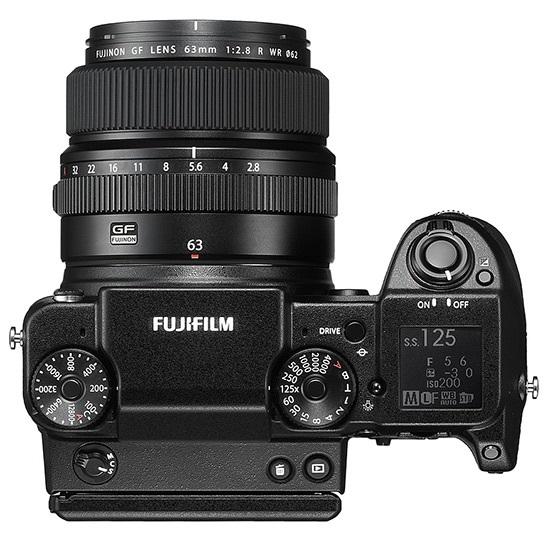 Fujifilm GFX 50S; středoformátový fotoaparát; horní pohled