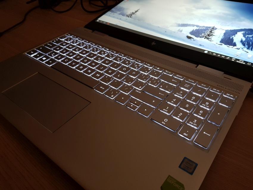 HP Envy 15 – podsvícená klávesnice