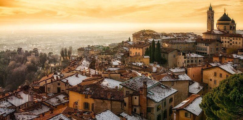 Italské město v oblasti Lombardie - Bergamo