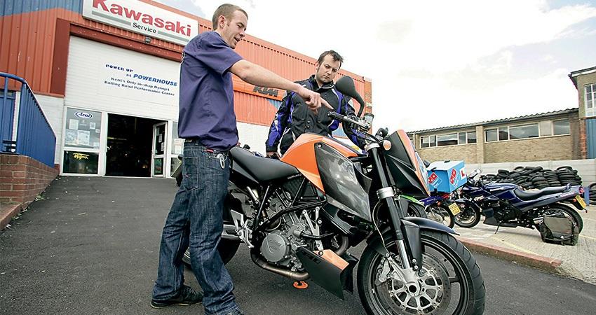 motocykl; jak koupit ojetou motorku; alza