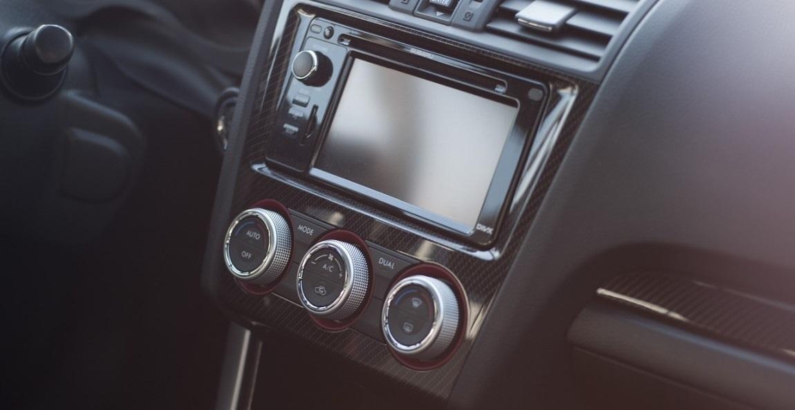 Jak přehrávat mp3 v autě