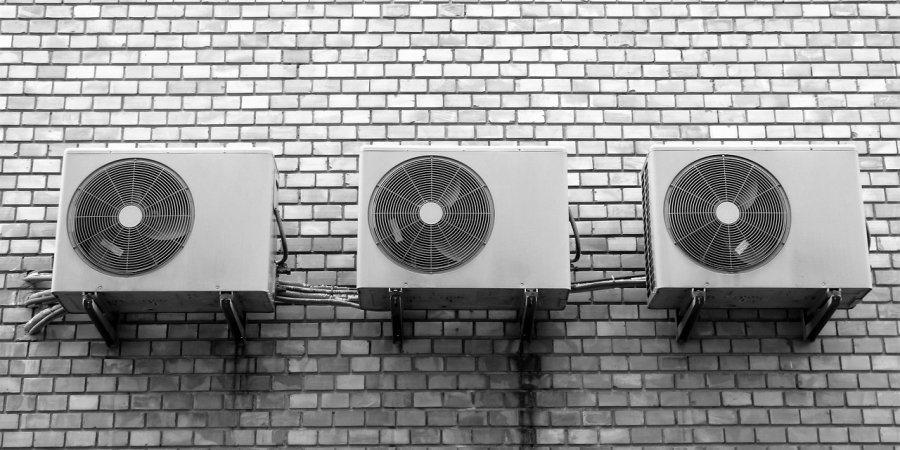 https://cdn.alza.cz/Foto/ImgGalery/Image/Article/lgthumb/nastenne-klimatizace-nahled.jpg