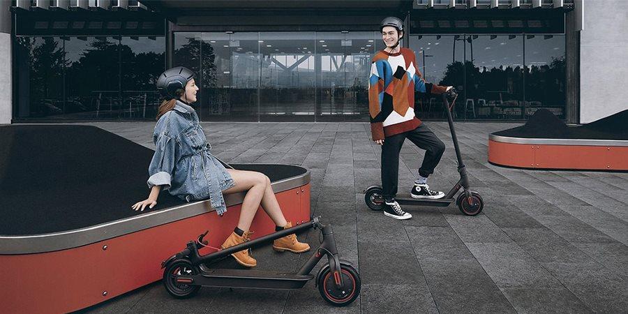 https://cdn.alza.cz/Foto/ImgGalery/Image/Article/lgthumb/xiaomi-mi-electric-scooter-pro-elektricka-kolobezka.jpg