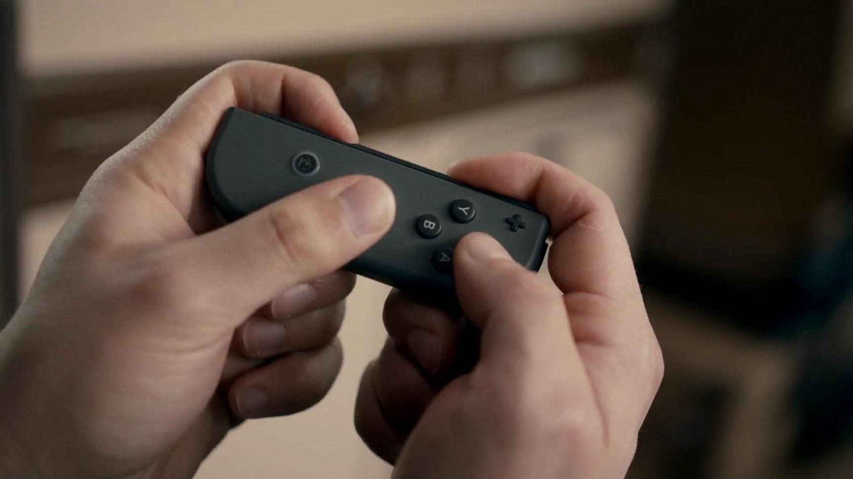 Nintendo Switch; herní konzole na cesty, ovladač Joy-Con