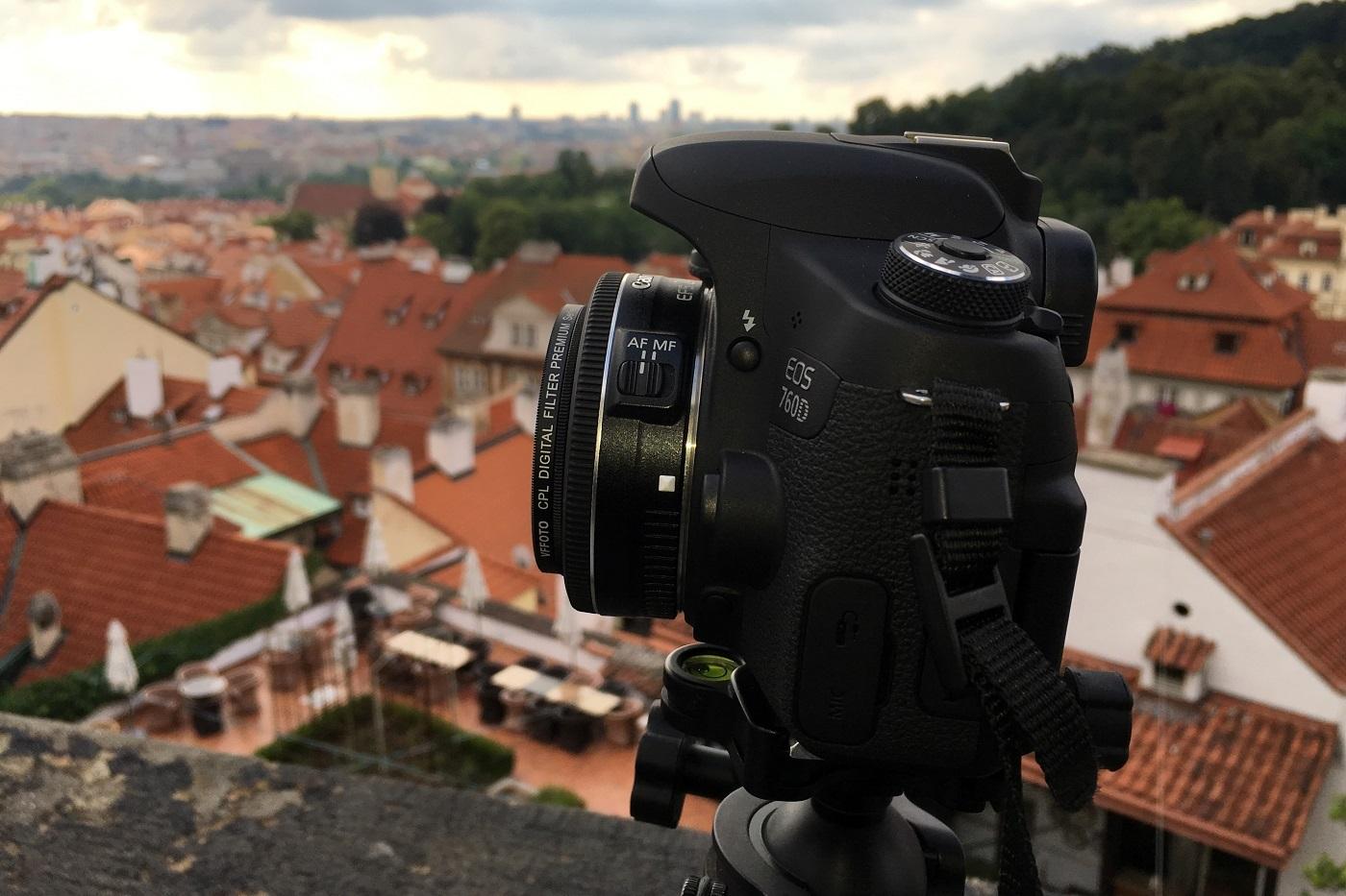 Canon EF-S 24mm f2.8 STM - lehký objektiv