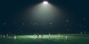 https://cdn.alza.cz/Foto/ImgGalery/Image/Article/pravidla-fotbalu-nahled.jpg