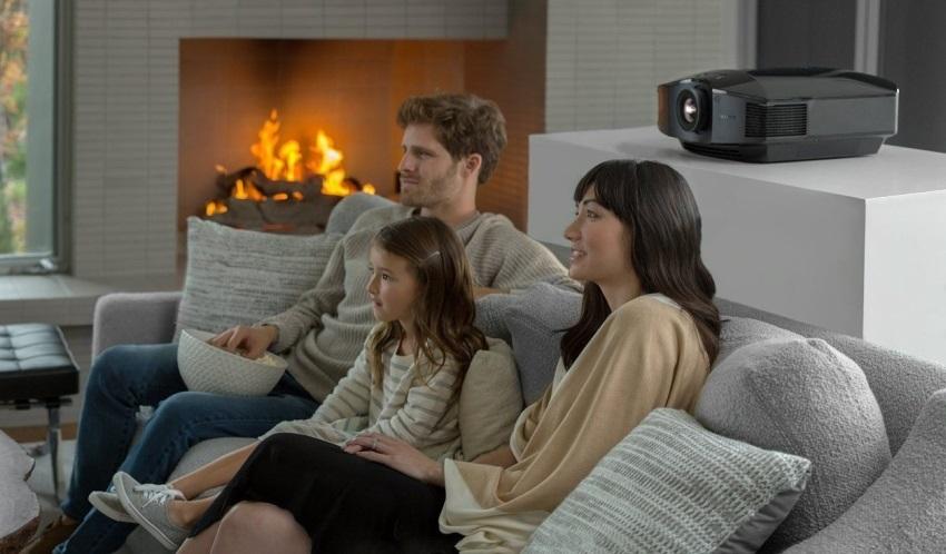 Rodina v domácím kině