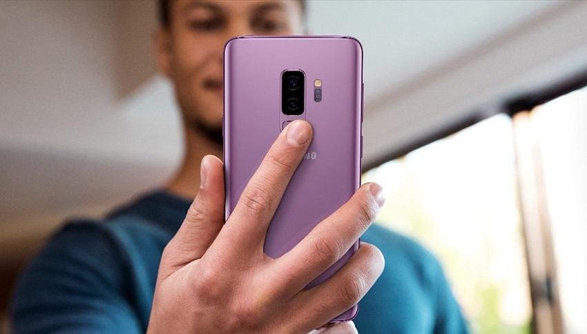 Samsung Galaxy S9+; čtečka otisků prstů