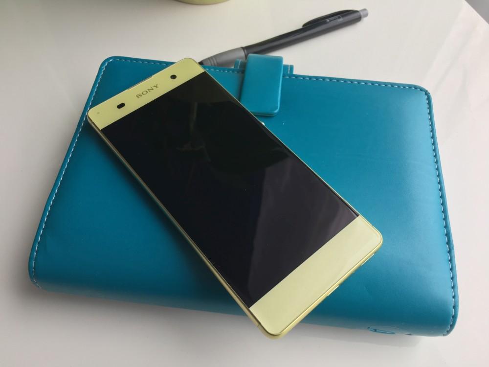 Sony Xperia XA, přední strana