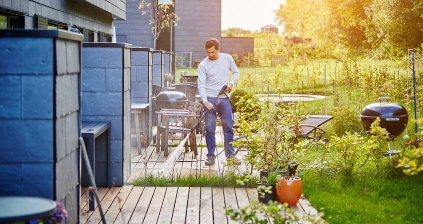 Tlaková myčka, člověk, zahrada