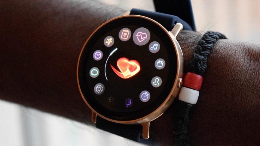 Misfit Vapor; chytré hodinky s fitness funkcemi