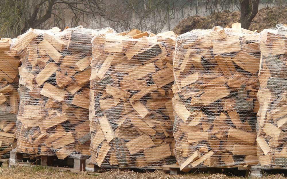 Vyschlé dřevo na topení