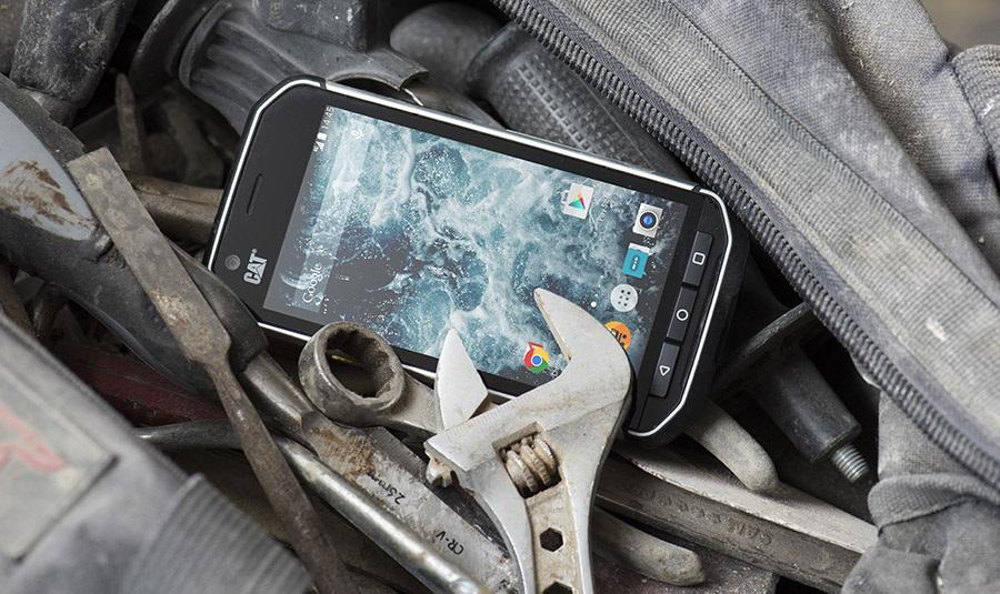 CAT S40 - odolný mobilní telefon