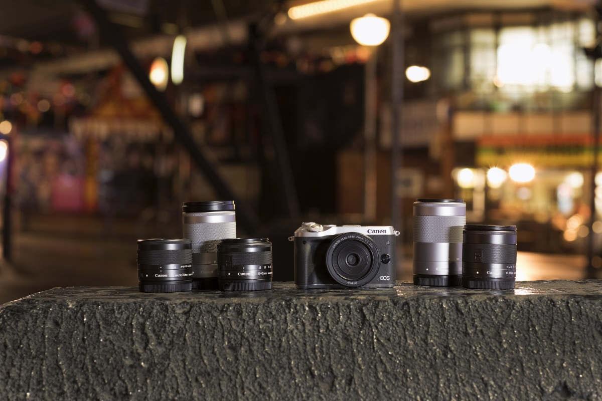 Canon EOS M6 fotoaparát; objektivy