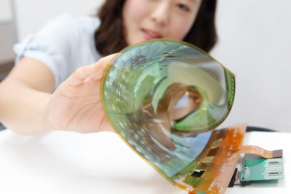 Flexibilní rolovací OLED displej; LG