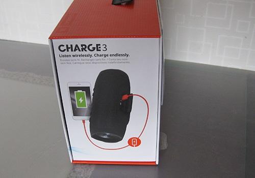 JBL Charge 3, boční strana krabice, funkce powerbanky