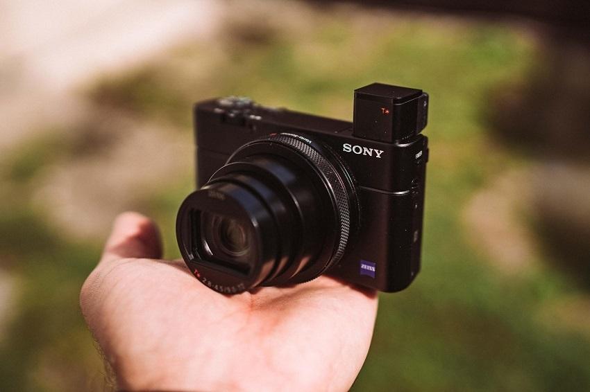 Kompaktní fotoaparát Sony RX100VI
