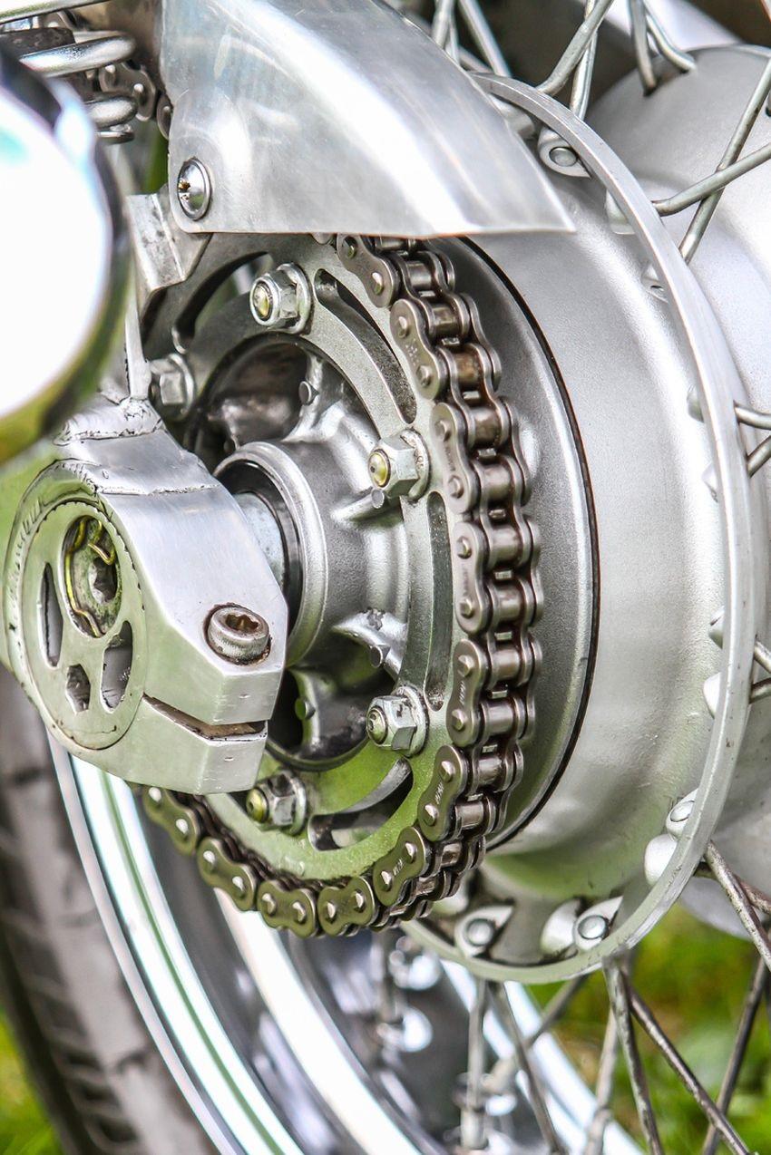 ACF-50 a Corrosion Block; stará motorka po použití, řetěz