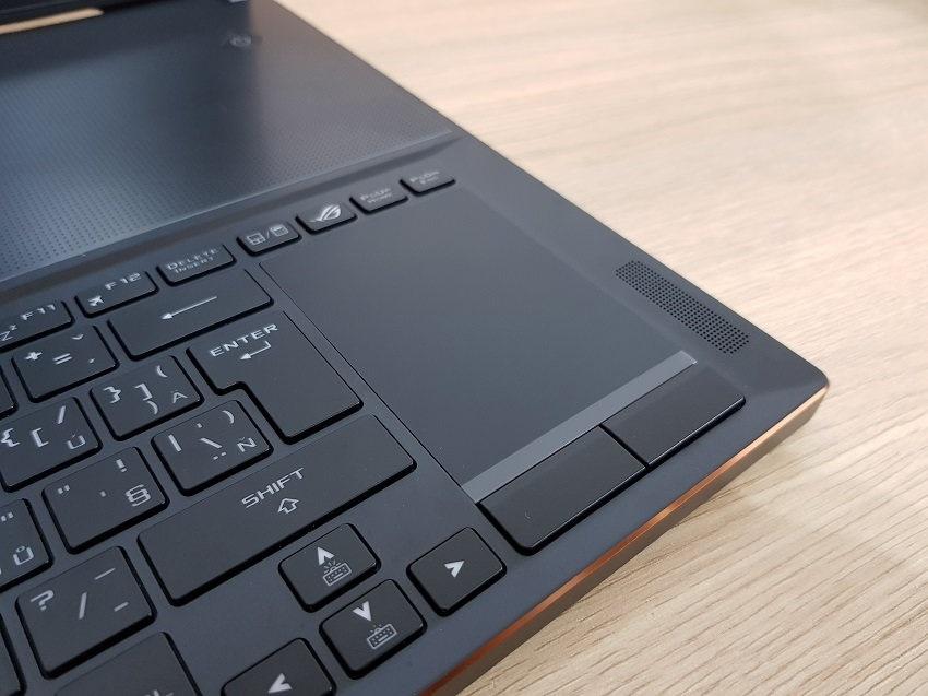 ASUS Zephyrus GX501GI, klávesnice, touchpad