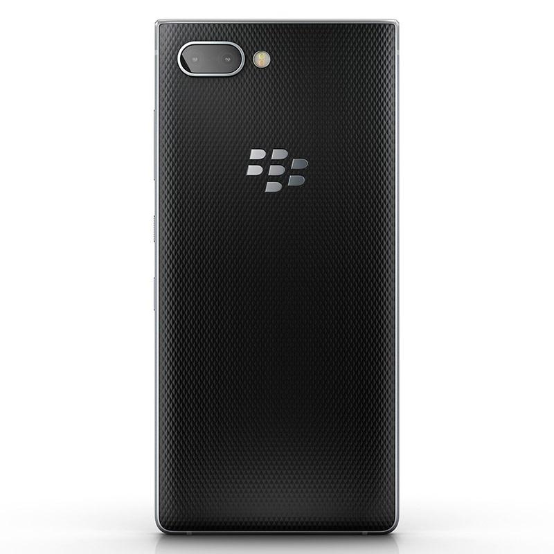 BlackBerry Key2, stříbrná varianta, zadní strana