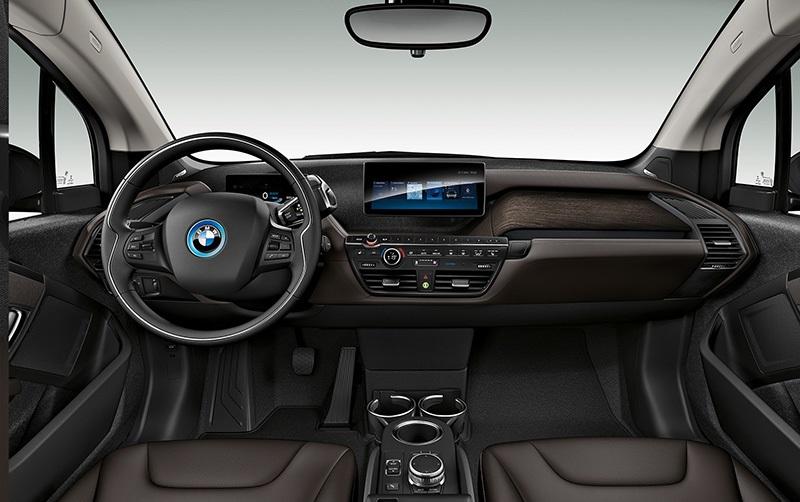 BMW i3s, interiér, palubní deska