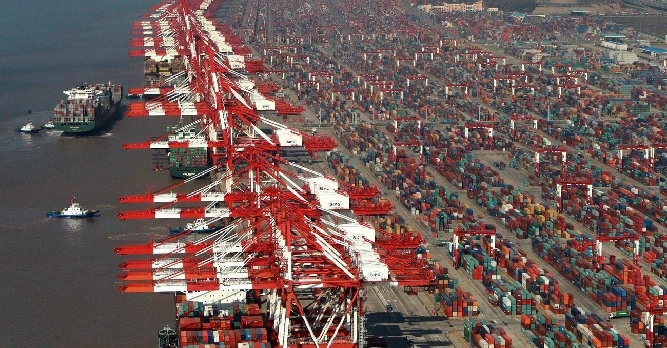 Cesta notebooku - přístav v Šanghaji