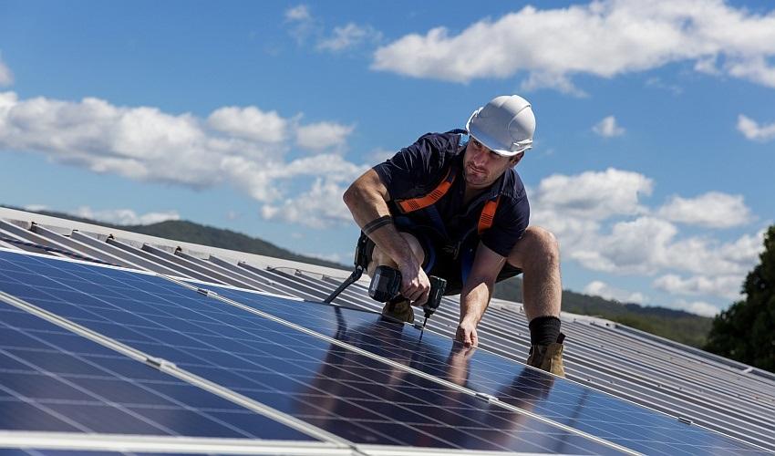 Solární panely domácí elektrárny