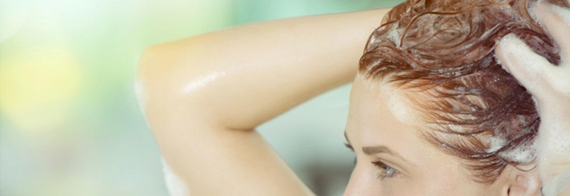 Použijte domácí suroviny pro vytvoření masky na vlasy doma