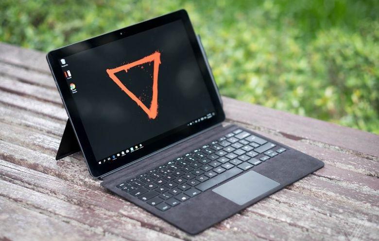 Nový tablet 2v1 Eve V