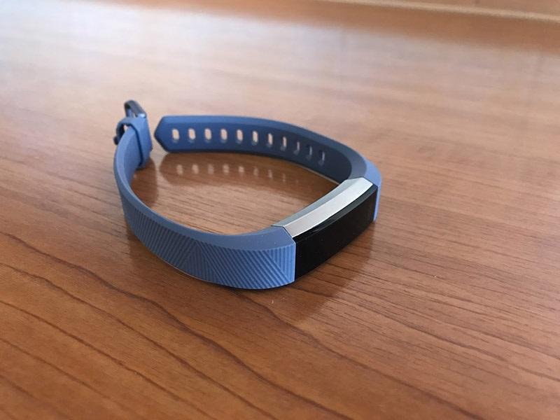 Recenze fitness náramku Fitbit Alta HR  90fee30303
