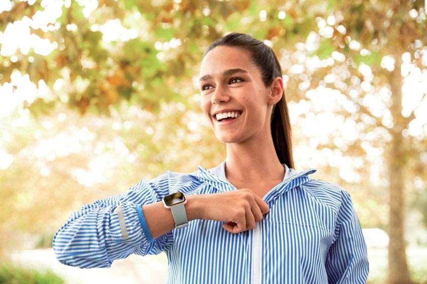 Fitbit Versa, sportovní hodinky