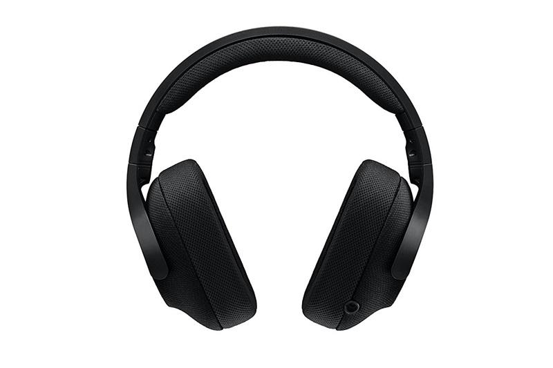 Headset působí na první pohled bytelně